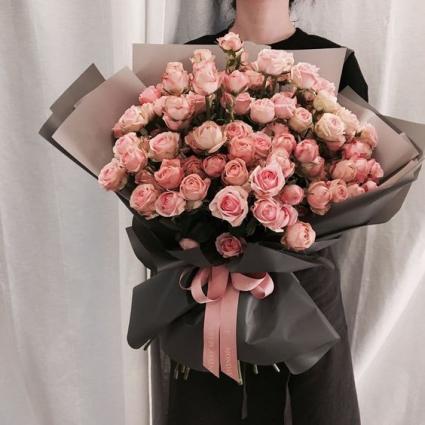 Pink  Roses Presentation Bouquet
