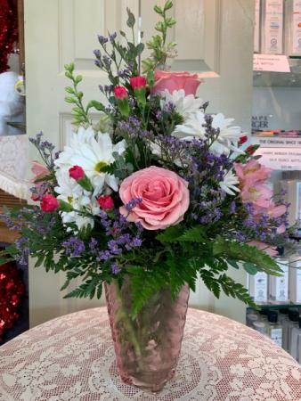 Pink Swirl Bouquet Valentine 2021 All around arrangement