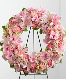 PINK TRIBUTE WREATH  in Amelia Island, FL | ISLAND FLOWER & GARDEN
