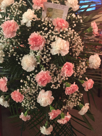PINK/WHITE CARNATION SPRAY SYMPATHY EASEL SPRAY