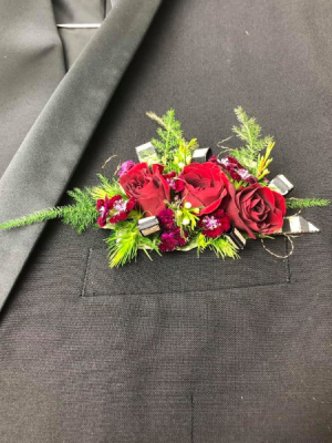 Pocket Garden Boutonniere in North Bend, OR | PETAL TO THE METAL FLOWERS