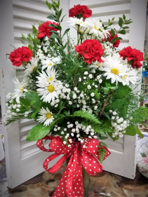 Polka dot Pleasure vased fresh arrangement