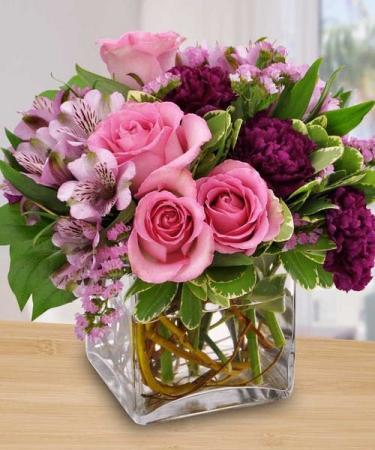 Pop of lavander ELEGANT MIXTURE OF FLOWERS