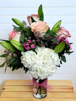 POP'S DESIGNERS CHOICE #1 EXCLUSIVELY AT MOM & POPS in Oxnard, CA | Mom and Pop Flower Shop