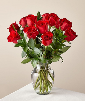 Pop's Dozen Red Roses EXCLUSIVELY AT MOM & POPS in Ventura, CA | Mom And Pop Flower Shop