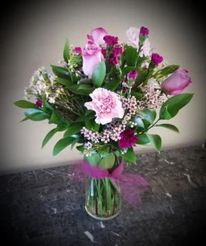 POP'S EUROPEAN WILD FLOWER $37.75 in Oxnard, CA | Mom and Pop Flower Shop