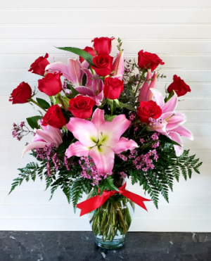 POP'S STAR GAZERS & ROSES Exclusively at Mom & Pops in Oxnard, CA | Mom and Pop Flower Shop