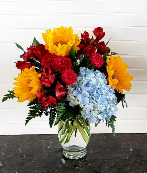 Pop's Sunflower & Hydrangea Exclusively at Mom & Pops in Ventura, CA | Mom And Pop Flower Shop