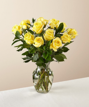 POP'S YELLOW ROSE SPECIAL EXCLUSIVELY AT MOM & POPS in Oxnard, CA   Mom and Pop Flower Shop