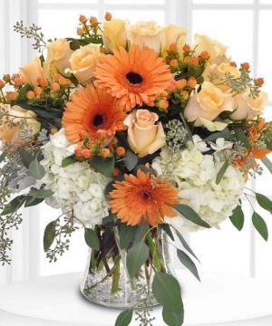 Potomac's Peaches & Cream Deluxe Version Shown in La Plata, MD | Potomac Floral Design Studio
