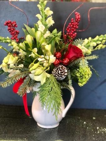 Pour me a little Merry Christmas arrangement