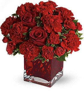 PRECIOUS LOVE WITH RED ROSES FLOWERS ARRAGEMENT