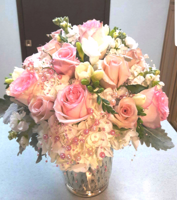 Precious Pearl  Chic Vase of hydrangeas and roses