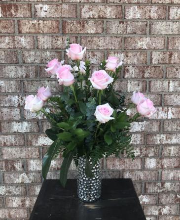 Precious Pink Classic Dozen Roses