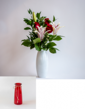 Premium 3 Roses with Lily Vased Arrangement