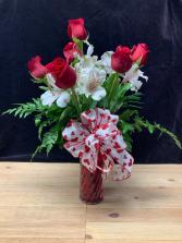 Premium Half Dozen Roses Vase