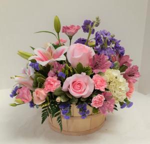 Pretty Basket  in Tottenham, ON   TOTTENHAM FLOWERS & GIFTS