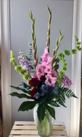 Pretty Blooms Vase arrangement