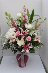 Pretty in Pink Fresh vase arrangement
