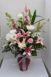Pretty in Pink Fresh vase arrangement