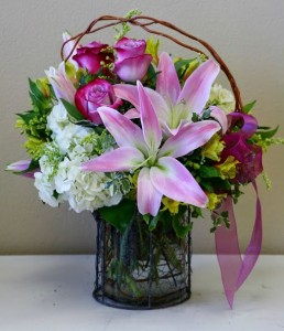 PRETTY IN PINK Arrangement of Flowers in Riverside, CA | Willow Branch Florist of Riverside