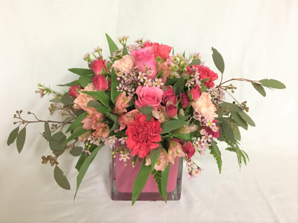 Enchanting pinks Fresh arrangement
