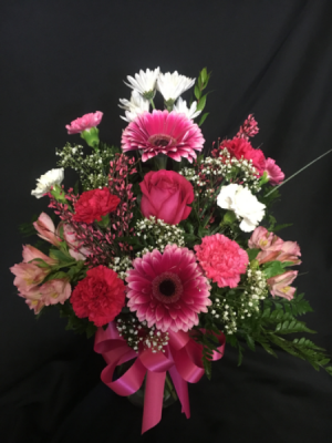 Pretty in Pink Vase Arrangement  in Red Lake, ON | FOREVER GREEN GIFT BOUTIQUE