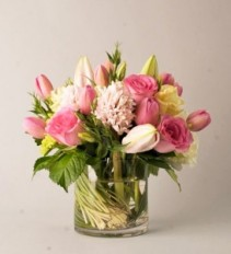 Pretty in Pink Vased Arrangement, Compact