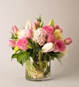 Pretty in Pink Vased Arrangement, Compact