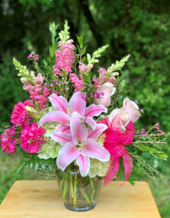 Pretty in Shades of Pink Vase Arrangement