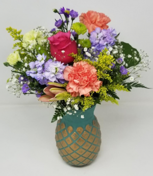 Pretty Pineapple Mother's Day Arrangement in Springfield, MO | FLOWERAMA #226
