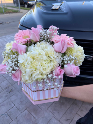 Pretty pink Box  Luxe pink box in Dearborn, MI | LAMA'S FLORIST