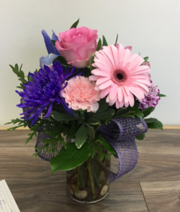 Pretty posey Vase arrangement