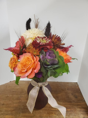Pretty Posy Vase Arrangement in Vernon, NJ | HIGHLAND FLOWERS