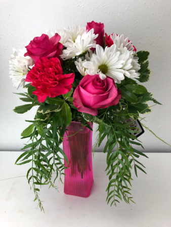 Pretty  Roses and White Daisies Summer Min
