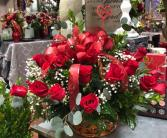 Pretty with reds Basket