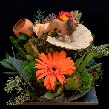 Pride  Wildlife centerpiece