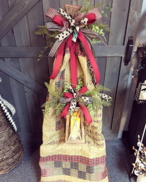 Primitive Quilt and Lantern Set Quilt and Lantern in Grayson, KY | All That Bloomz