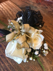 Prom corsages roses/ fillers