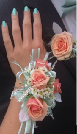 Prom set.   Please indicate color choice.   in Ozone Park, NY   Heavenly Florist