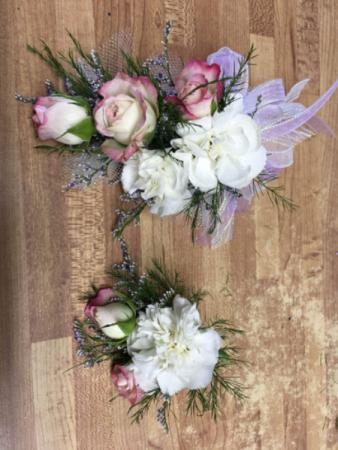 Prom sets Wrist corsage & boutonnière