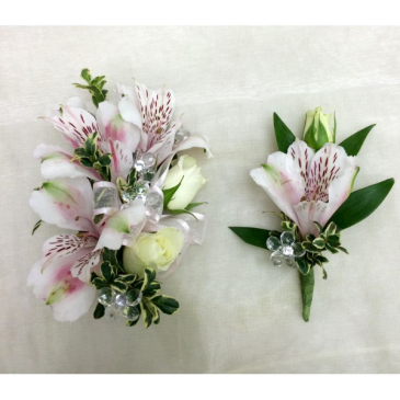 Prom Special #11 Corsage & Matching Boutonniere