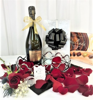 Prosecco Brut, Rose Petals and Box of Chocolates Gift