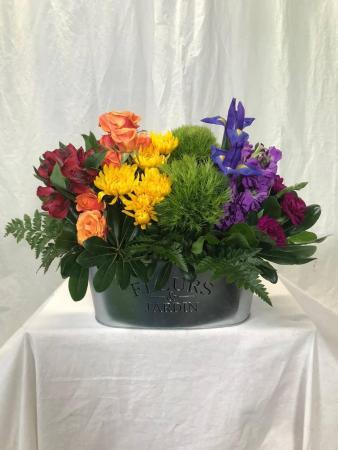 Proud Mom Fresh Cut Flowers in Custom Tin