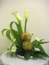 Pure and Tranquil Arrangement