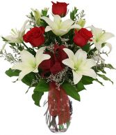 LOVELIGHT LILIES BOUQUET