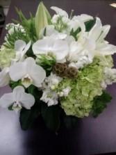 PURITY Vase Arrangement