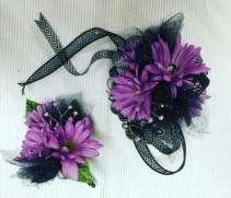 Purple Daisy Wristlet & Bout Prom