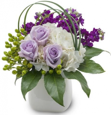 PURPLE HEART  ELEGANT MIXTURE OF FLOWERS