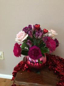 queen of hearts red/pink heart vase